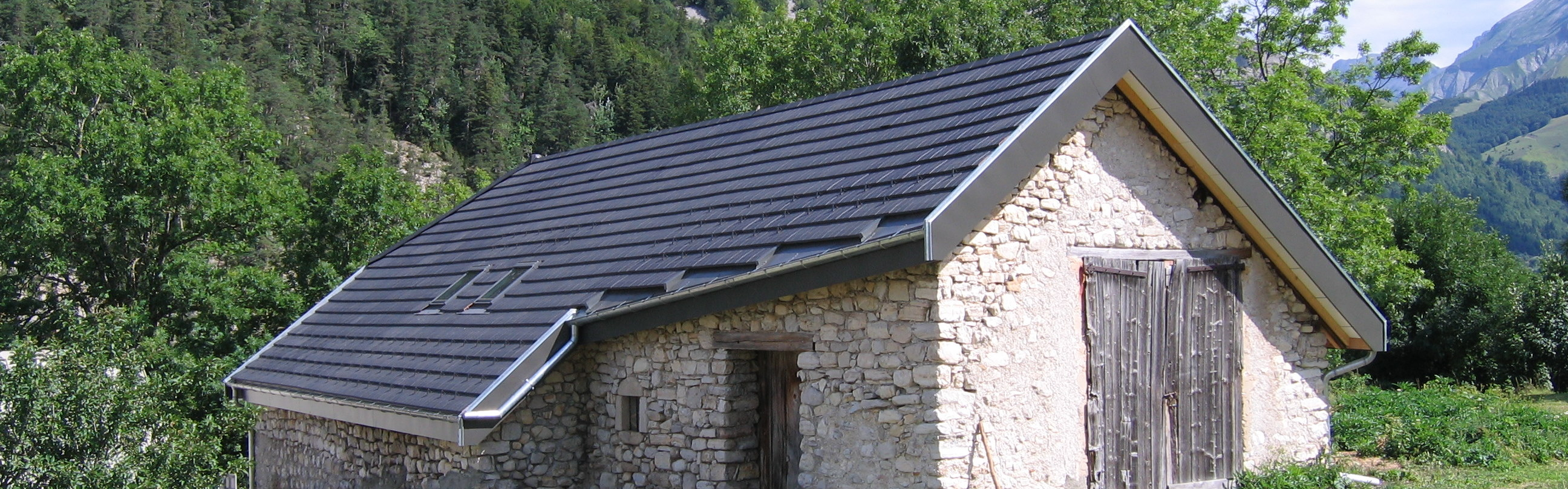 Artizinc à La Jarjatte, Lus-la-Croix-Haute (26620) – Charpente, Couverture & Isolation  // 2010