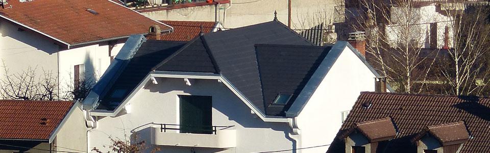 Artizinc à Vizille (38220) – Couverture en tuiles mécaniques, Zinguerie et pose de Velux  // 2013
